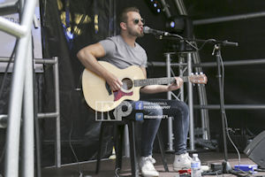 Dallenger on the Acoustic Stage